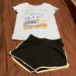 Girls Tee & Shorts. EUC!